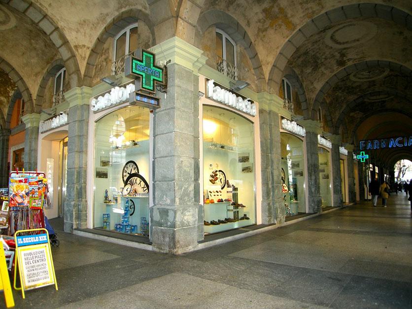 24.  Farmacia in Savona
